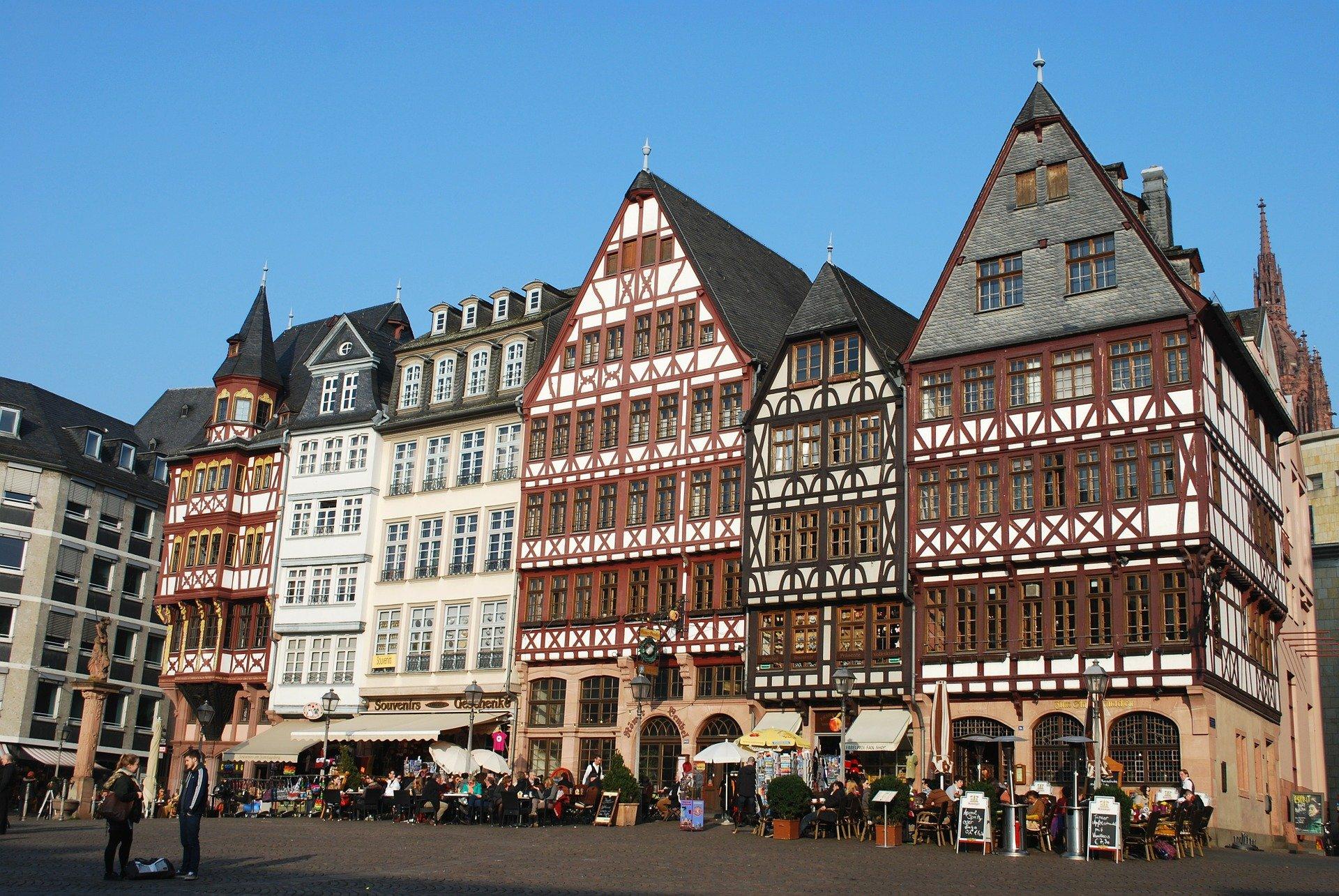 frankfurt-282598_1920